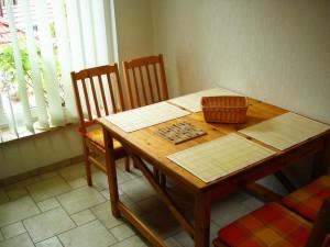 Sitzbereich in der Küche der Ferienwohnung