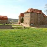 Frontansicht der Wasserburg Heldrungen in Thüringen